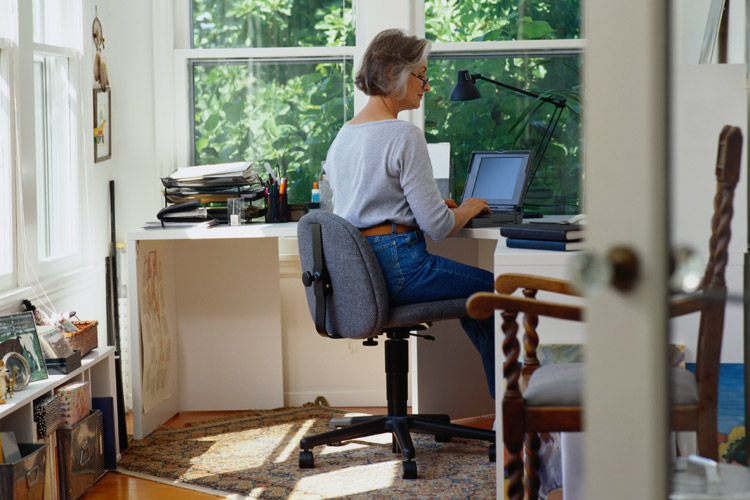 Trabalhar em casa funcionaria para você? Descubra!